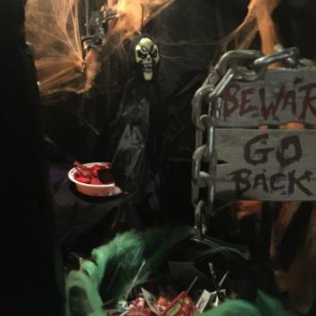 halloween scene go back
